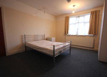 Thumbnail 1 bedroom semi-detached house to rent in Great West Road, Hounslow