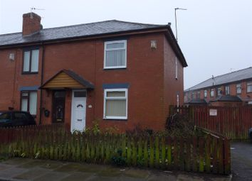 Thumbnail 3 bedroom town house to rent in Abbey Crescent, Heywood