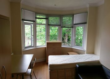 Thumbnail Room to rent in Finchley Lane, London
