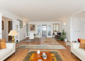 Putney Hill, Putney SW15. 3 bed flat for sale