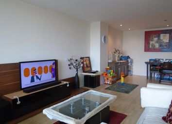 Thumbnail 2 bed flat to rent in Kingsway, North Finchley