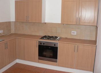 Thumbnail 2 bed flat to rent in Hightown Road, Luton, Bedfordshire
