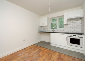 Thumbnail 2 bed flat to rent in Homesdale Road, Bromley
