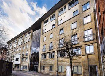 2 bed flat to rent in Mount Stuart Square, Cardiff CF10