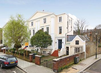 Thumbnail 2 bedroom flat for sale in Stockwell Park Crescent, London
