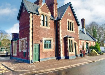 2 bed flat to rent in Station Road, Topsham, Exeter EX3