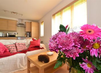 Thumbnail 2 bed flat for sale in Crawley Road, Horsham, West Sussex