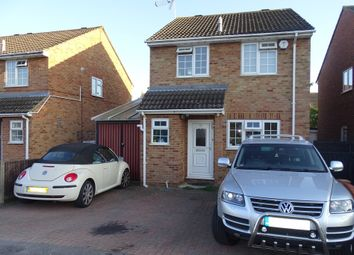 3 bed detached house for sale in West Close, Ashford TW15