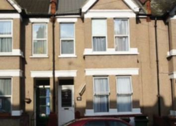 Herga Road, Harrow Wealdstone HA3. 3 bed flat