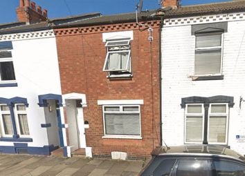 2 bed property to rent in Roe Road, Abington, Northampton NN1
