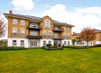 Thumbnail 3 bedroom flat to rent in Clearwater Place, Surbiton