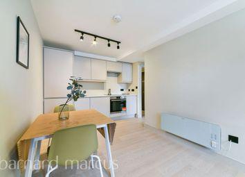 Thumbnail 1 bedroom flat for sale in Woodside Green, Woodside, Croydon