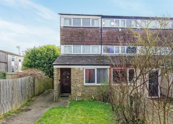 Thumbnail Town house for sale in Pentland Close, Basingstoke