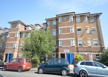 Thumbnail 2 bed flat to rent in Woods Road, London