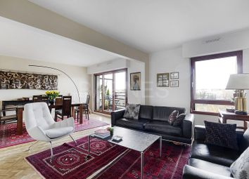 Thumbnail 2 bed apartment for sale in Rueil Malmaison, Rueil Malmaison, France