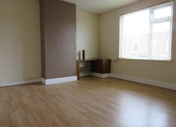Thumbnail 2 bedroom flat to rent in Kirkgate Street, Wisbech