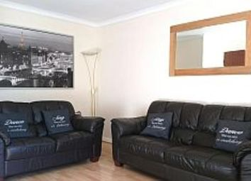 2 bed flat to rent in 15 Rennies Court, The Green, Aberdeen AB11