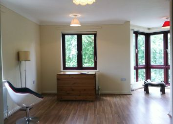 Thumbnail 1 bed flat to rent in Monro Way, Hackney