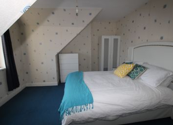 Thumbnail Room to rent in Waverley Road Reading, Reading