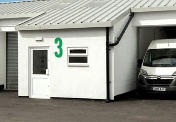 Thumbnail Light industrial to let in Unit 2, Orbital Industrial Estate, Horton Road, West Drayton, Middlesex