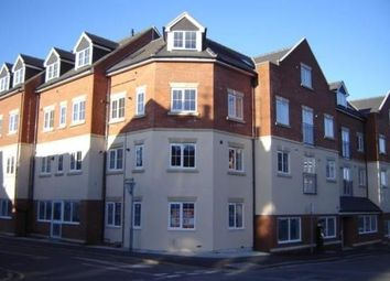 Thumbnail 1 bed flat to rent in Wellington Street, Luton, Bedfordshire