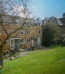 Thumbnail 2 bed maisonette to rent in Lincoln Court, Berkhamsted