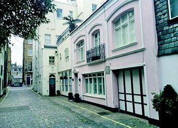 Thumbnail 5 bed flat for sale in Montagu Mews West, London