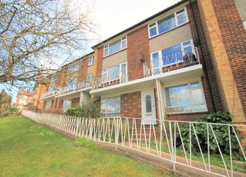 2 bed maisonette for sale in Amersham Hill, High Wycombe HP13