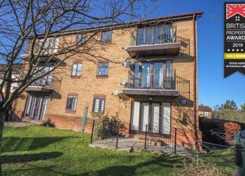 Thumbnail 2 bed flat for sale in Kingsdale Court, Waltham Abbey