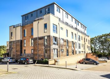 Thumbnail Flat for sale in Edgware, Middlesex