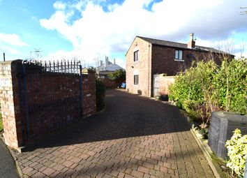 Chorley Road, Westhoughton BL5. 3 bed detached house for sale