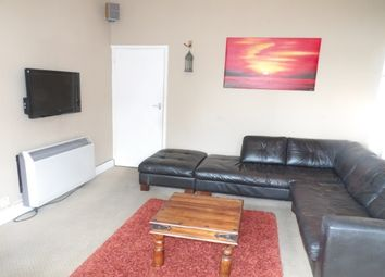 2 bed flat to rent in San Remo Parade, Westcliff-On-Sea SS0