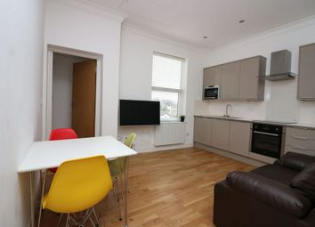 Thumbnail 2 bed flat to rent in Victoria Street, Englefield Green