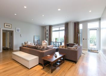 Thumbnail 2 bedroom flat to rent in Smugglers Way, Wandsworth, London