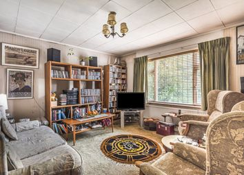 2 bed maisonette for sale in Bow Lane, North Finchley, London N12