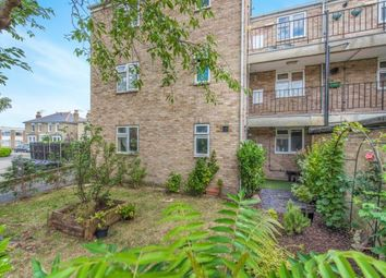 Thumbnail 2 bedroom flat for sale in Richmond, Surrey