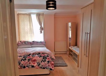 Thumbnail 1 bed flat to rent in Cameron Road, Croydon