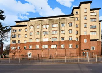Thumbnail 2 bed flat for sale in Slough, Berkshire