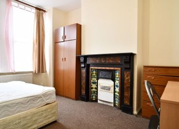 2 bed flat to rent in Riley Road, Brighton BN2