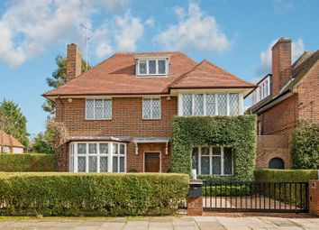 Thumbnail 6 bedroom detached house for sale in Kingsley Way, London