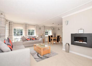 Thumbnail 2 bed mobile/park home for sale in Castle Drive, Maidstone, Kent
