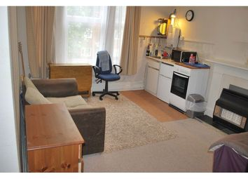 Thumbnail Studio to rent in Avenue Crescent, Acton, London