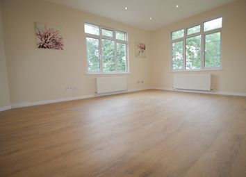 Thumbnail 3 bed flat to rent in Nether Close, Finchley
