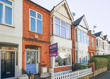Thumbnail 2 bed flat for sale in Royston Road, Penge