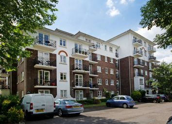 Thumbnail 1 bed flat to rent in Brompton Park Crescent, Fulham