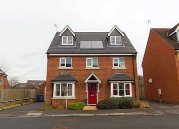 Thumbnail 5 bedroom detached house for sale in Jardine Place, Bracknell