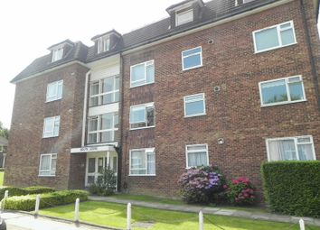 Thumbnail 1 bed flat to rent in Warwick Road, New Barnet, Barnet