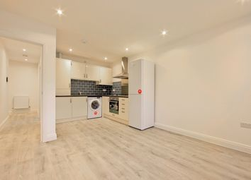 Thumbnail 2 bedroom flat to rent in South End, South Croydon