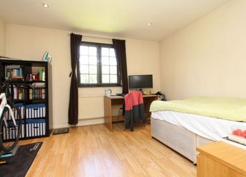 Thumbnail Room to rent in St Georges Square, Limehouse