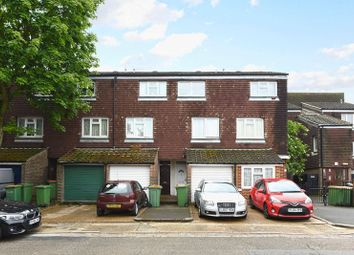 3 bed property for sale in Lawson Close, London E16